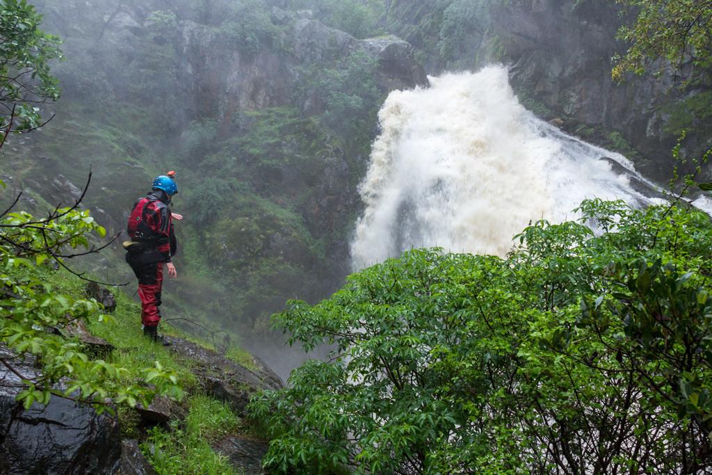 Knickerbocker Creek Falls